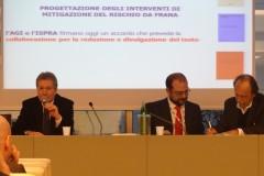 Firma accordo AGI-ISPRA (Prof. Moraci e Prof. De Beranrdinis)